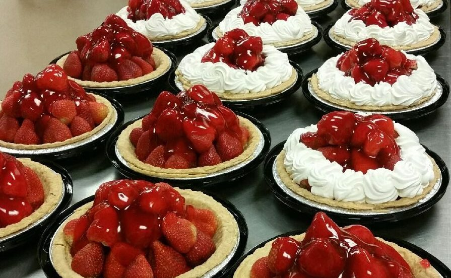 How It S Made Tippin S Strawberry Pie